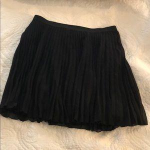 NWT Hollister High-Waisted Pleated Skirt, Large